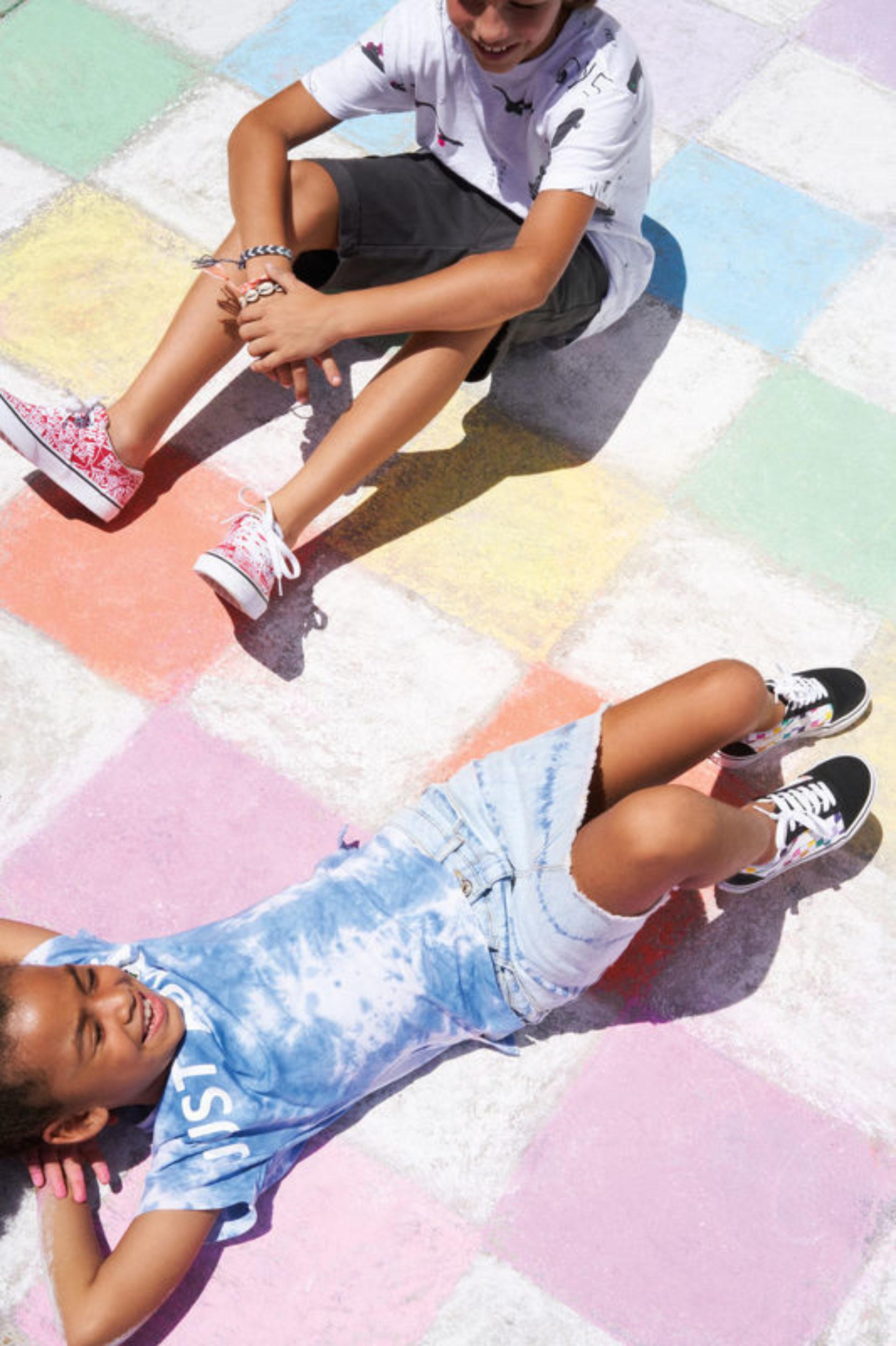 SUMMER 2019 | FAMOUS FOOTWEAR