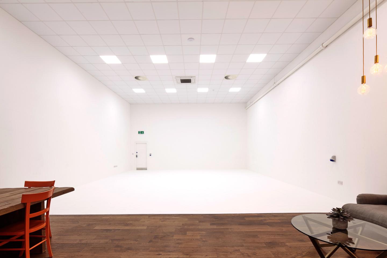Studio 4 02